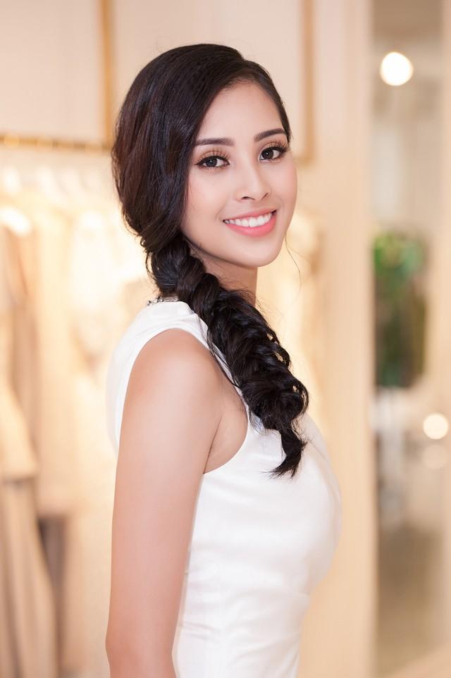 Hoa hậu Trần Tiểu Vy là khách mời đặc biệt của VinFast trong Paris Motor Show 2018 - Ảnh 2.