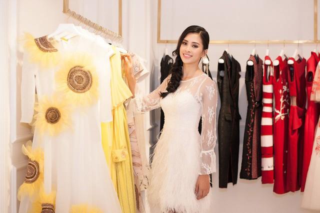 Hoa hậu Trần Tiểu Vy là khách mời đặc biệt của VinFast trong Paris Motor Show 2018 - Ảnh 4.
