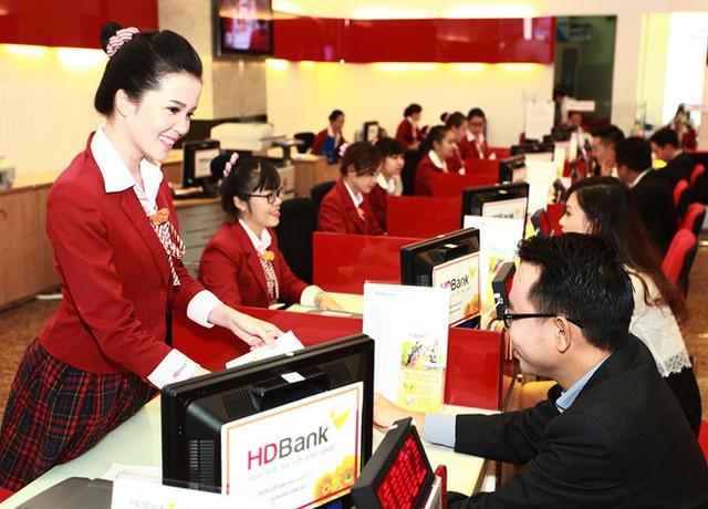 HDBank xin ý kiến phát hành 300 triệu USD trái phiếu, tăng thưởng 22% cổ phiếu - Ảnh 1.