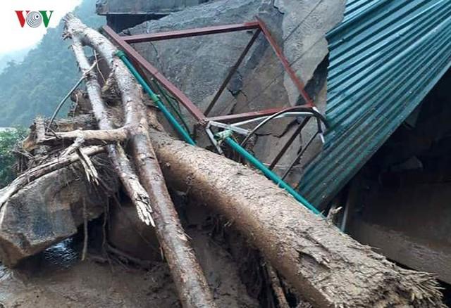 Ảnh: Lũ quét và ngập úng ở Lai Châu, giao thông nhiều nơi ách tắc - Ảnh 12.