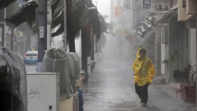 Hình ảnh Nhật Bản oằn mình chống chọi với cơn bão thứ 2 trong vòng 1 tháng - Ảnh 1.