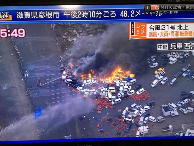 Siêu bão mạnh nhất ¼ thế kỷ đổ bộ, Nhật Bản bị tàn phá như trải qua thảm họa kép động đất, sóng thần năm 2011 - Ảnh 2.