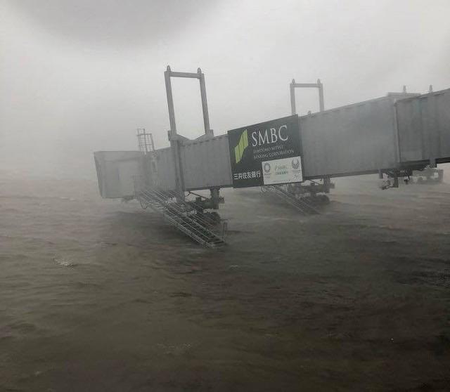 Siêu bão mạnh nhất ¼ thế kỷ đổ bộ, Nhật Bản bị tàn phá như trải qua thảm họa kép động đất, sóng thần năm 2011 - Ảnh 5.