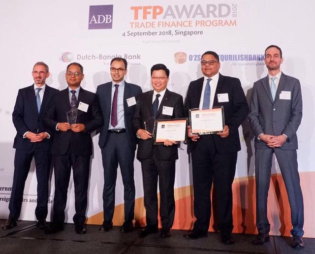 ADB vinh danh TPBank là ngân hàng có Tài trợ thương mại xuất sắc nhất cho Doanh nghiệp SME - Ảnh 1.