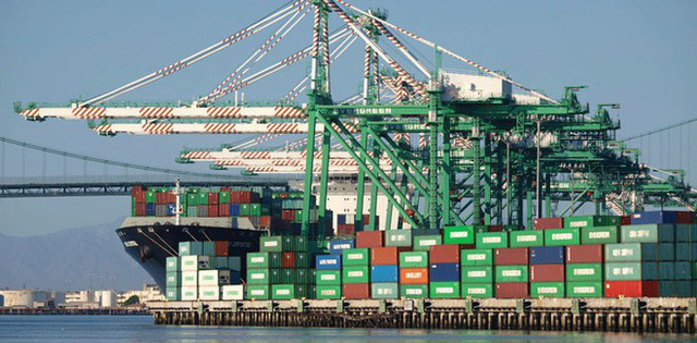 Hùng hồn dọa rút khỏi WTO, ông Trump đang cứa con dao hai lưỡi vào nền kinh tế Mỹ - Ảnh 2.