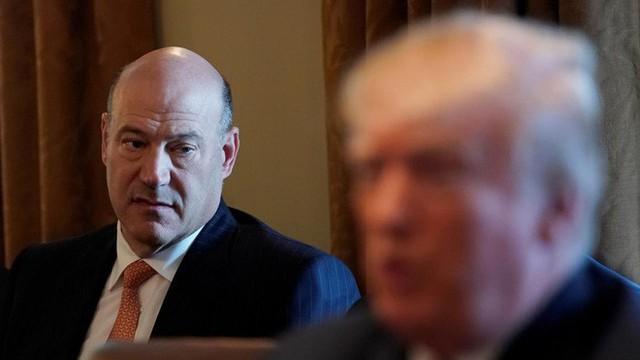 Tiết lộ chấn động: Sợ tê liệt chương trình tối mật, cố vấn ăn cắp tài liệu của TT Trump - Ảnh 1.