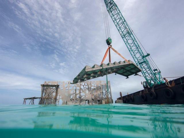 Khám phá phòng trưng bày nghệ thuật thủy triều độc đáo tại Maldives - thiên đường hạ giới ai cũng nên đến một lần trong đời - Ảnh 2.