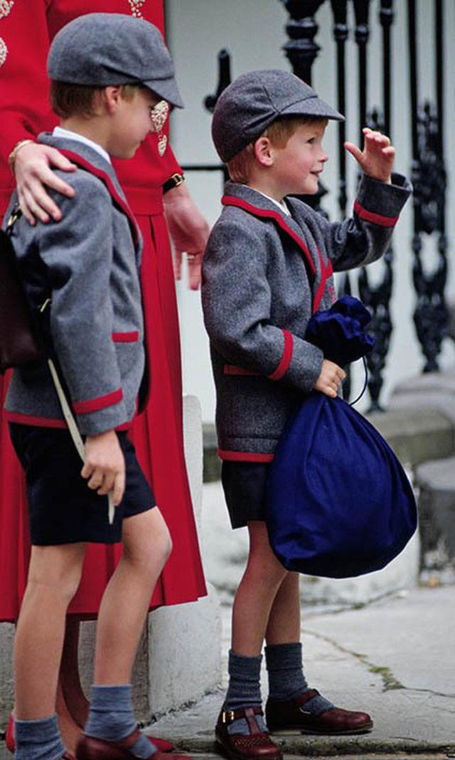 Loạt ảnh ngày đầu tiên đi học siêu đáng yêu của các công chúa, hoàng tử nhí trên thế giới - Ảnh 6.