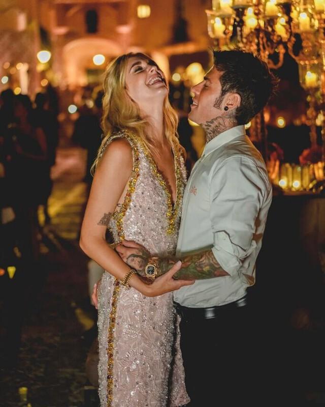 Vogue khẳng định: Đám cưới của Chiara Ferragni hot hơn cả đám cưới cổ tích của hoàng tử Harry và Meghan Markle! - Ảnh 4.