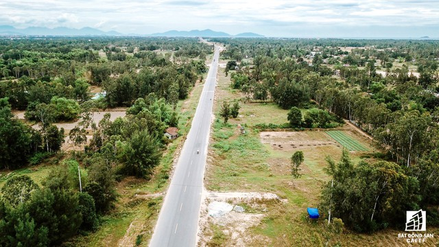 Cận cảnh một số dự án đang biến vùng đất chết Nam Hội An thành thiên một số con phố nghỉ dưỡng mới nổi - Ảnh 2.