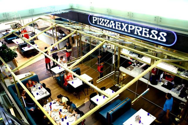 """Từng bị đuổi học, đi dép lê vay tiền ngân hàng, mấy ai ngờ giờ đây David Page trở thành """"người tiên phong"""" của thương hiệu pizza nổi tiếng nhất thế giới - Ảnh 2."""