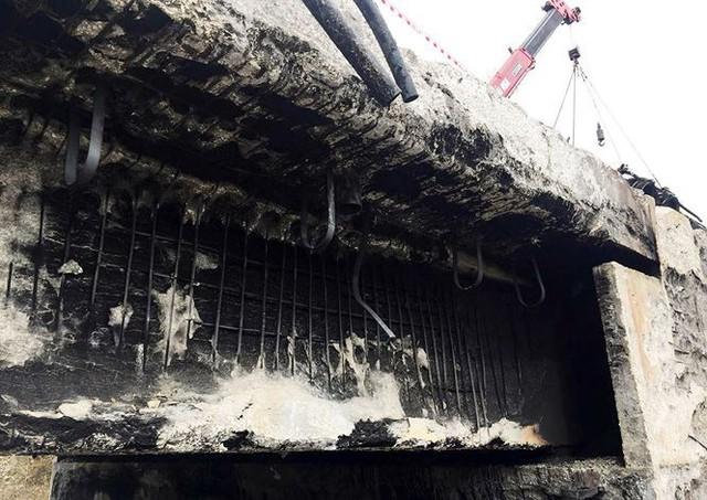 Cầu trơ lõi thép sau vụ cháy xe bồn trên cao tốc Nội Bài - Lào Cai  - Ảnh 11.