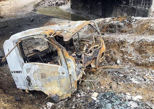 Cầu trơ lõi thép sau vụ cháy xe bồn trên cao tốc Nội Bài - Lào Cai  - Ảnh 5.