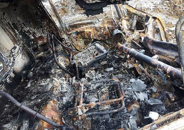 Cầu trơ lõi thép sau vụ cháy xe bồn trên cao tốc Nội Bài - Lào Cai  - Ảnh 6.