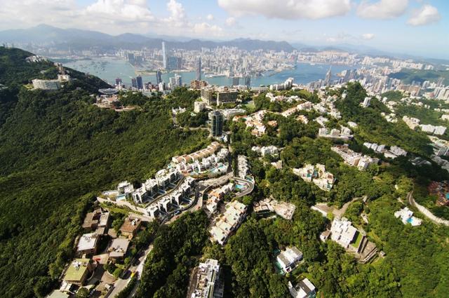 9 điều đặc biệt về thành phố có nhiều người siêu giàu nhất thế giới - Ảnh 2.