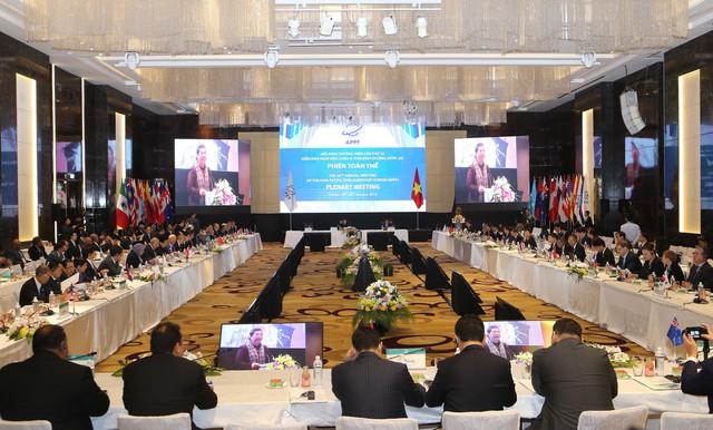 Phó Thủ tướng Vương Đình Huệ: Trong cách mạng 4.0, tương lai không nằm trên đường kéo dài của quá khứ, các nước đang phát triển có thể đi nhanh hơn các nước phát triển - Ảnh 1.