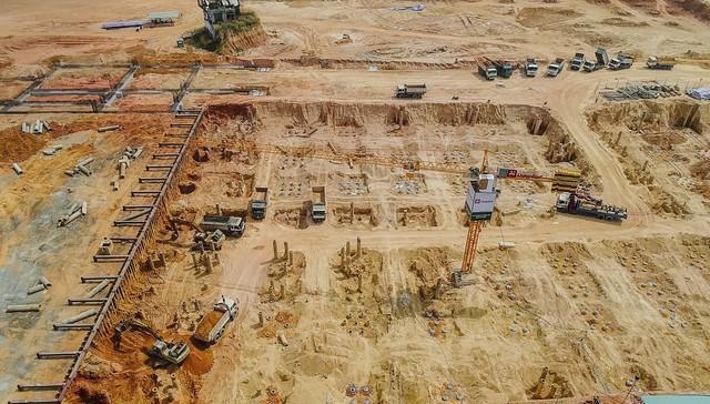 Cận cảnh dự án Bến xe Miền Đông hơn 4.000 tỷ chậm tiến độ do vướng 2 căn nhà - Ảnh 5.
