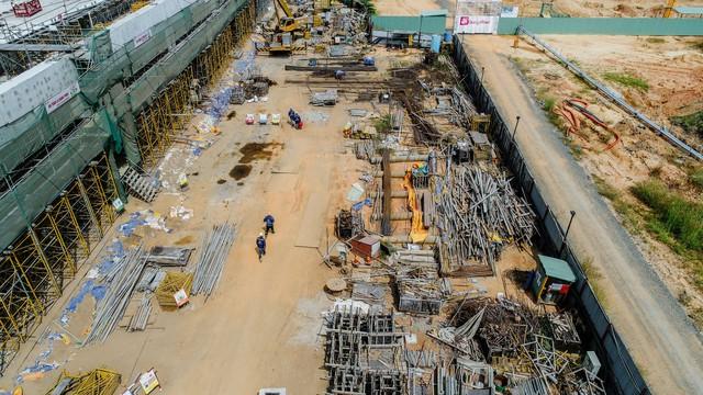 Cận cảnh dự án Bến xe Miền Đông hơn 4.000 tỷ chậm tiến độ do vướng 2 căn nhà - Ảnh 7.