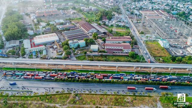 Cận cảnh tiến độ hàng loạt dự án giao thông trọng điểm của TP.HCM - Ảnh 11.