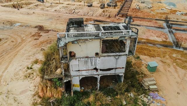 Cận cảnh dự án Bến xe Miền Đông hơn 4.000 tỷ chậm tiến độ do vướng 2 căn nhà - Ảnh 9.