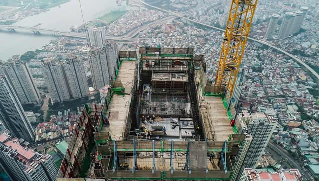 Cận cảnh tòa tháp cao nhất Việt Nam Landmark 81 chuẩn bị cất nóc - Ảnh 4.