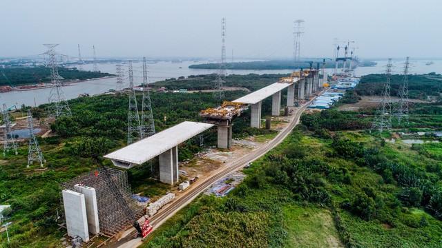 Cận cảnh cao tốc Bến Lức - Long Thành đoạn qua TP.HCM và Long An - Ảnh 3.