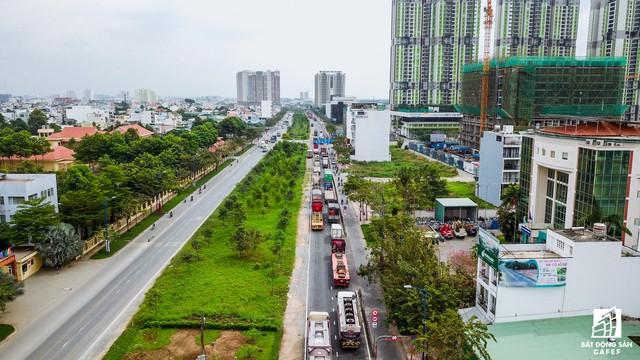 Cận cảnh cây cầu qua đảo Kim Cương đang khiến bất động sản quận 2 tăng giá - Ảnh 1.
