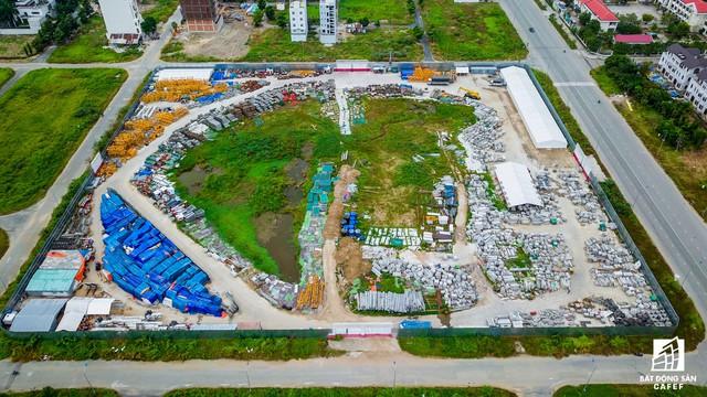 Một dự án khác tại khu Thạnh Mỹ Lợi đang triển khai xây dựng phần ngầm, gồm 1.100 căn hộ cao cấp.