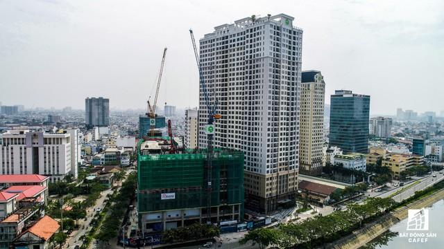 Gần cầu Khánh Hội, Novaland đang sở hữu đến 3 dự án: khu căn hộ Icon 56, khu phức hợp The Tresor và mới nhất là khu phức hợp Saigon Royal Residence.