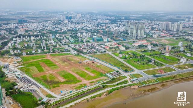 Cận cảnh cây cầu qua đảo Kim Cương đang khiến bất động sản quận 2 tăng giá - Ảnh 8.