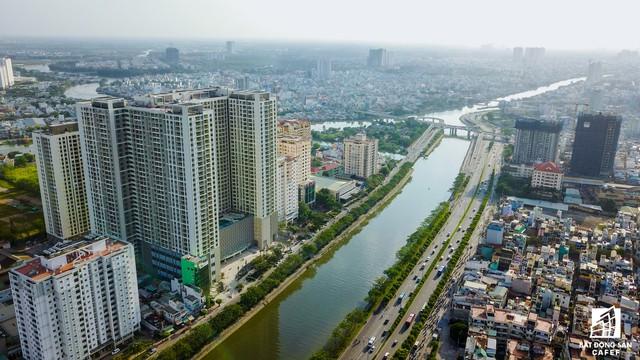 Tập đoàn TNR Holdings là chủ đầu tư nhiều dự án đình đám ở Hà Nội như Goldmark City, GoldSilk Complex và Gold Seasons cũng đã có mặt tại Bến Vân Đồn bằng hợp đồng độc quyền quản lý và phát triển dự án The GoldView.