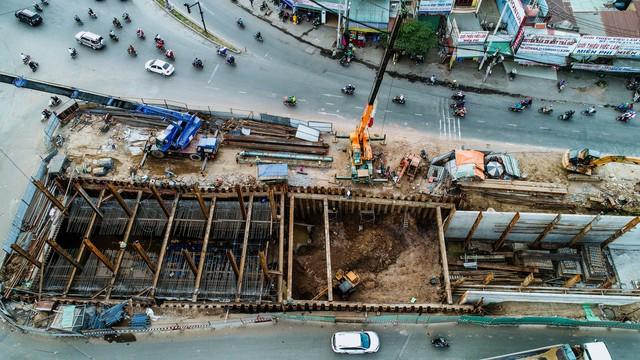 Toàn cảnh nút giao thông 3 tầng đầu tiên tại TP.HCM nhìn từ trên cao - Ảnh 10.