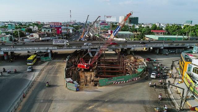 Toàn cảnh nút giao thông 3 tầng đầu tiên tại TP.HCM nhìn từ trên cao - Ảnh 13.