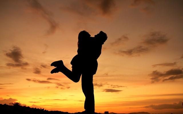 Những mối quan hệ tốt phát triển mạnh mẽ được chứng minh có lợi cho sức khỏe não bộ.