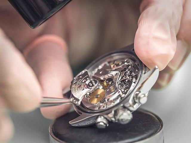 Bất chấp các thương hiệu mới, đây là lí do những thương hiệu đồng hồ cao cấp từ thế kỷ trước như Patek Philippe hay Rolex không bao giờ giảm sức hút  - Ảnh 2.