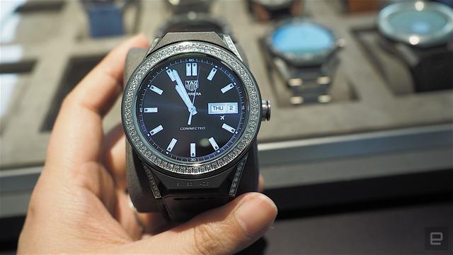 Không phải Apple Watch, đây mới là chiếc đồng hồ thông minh đắt nhất thế giới - Ảnh 1.