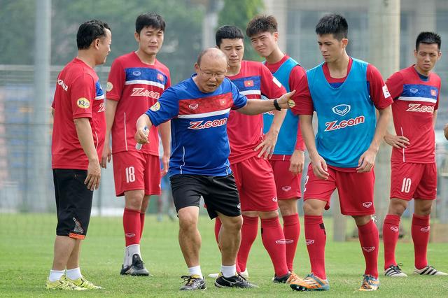 Park Hang Seo - Người truyền lửa cho bóng đá Việt Nam - Ảnh 3.