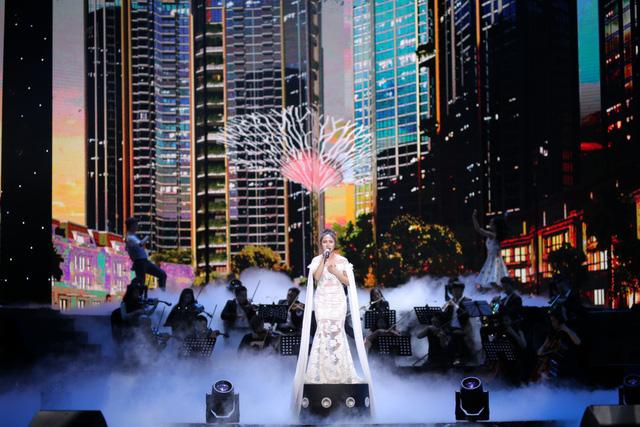 """Ấn tượng với dàn sao """"khủng"""" trong đêm nhạc tri ân của Tập đoàn Sunshine - Ảnh 3."""