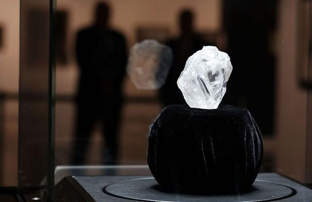 Cận cảnh 4 viên kim cương lớn nhất lịch sử - Ảnh 2.