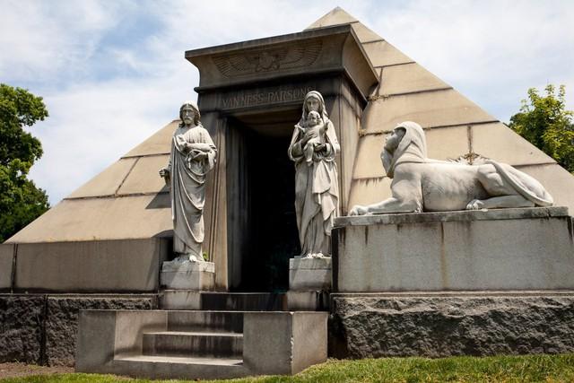 Đẹp như khu nghỉ dưỡng, nghĩa trang này là nơi an nghỉ của giới nhà giàu và những người quyền lực ở New York - Ảnh 11.
