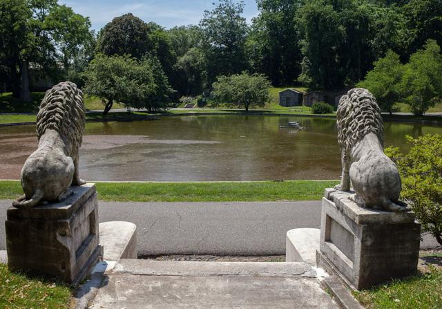 Đẹp như khu nghỉ dưỡng, nghĩa trang này là nơi an nghỉ của giới nhà giàu và những người quyền lực ở New York - Ảnh 12.