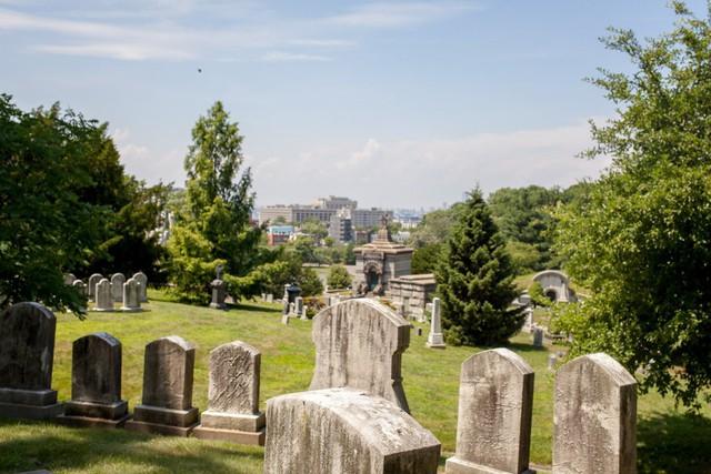 Đẹp như khu nghỉ dưỡng, nghĩa trang này là nơi an nghỉ của giới nhà giàu và những người quyền lực ở New York - Ảnh 3.