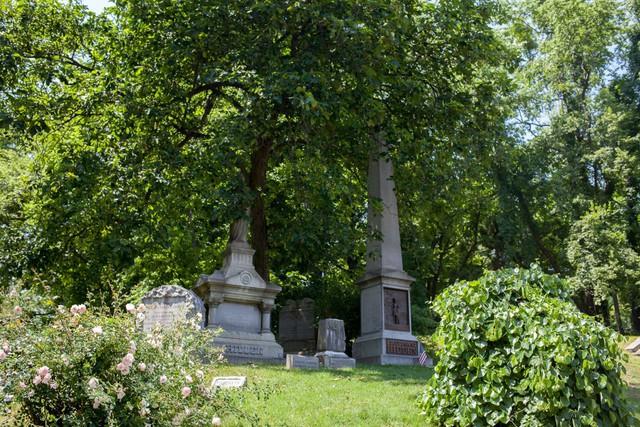 Đẹp như khu nghỉ dưỡng, nghĩa trang này là nơi an nghỉ của giới nhà giàu và những người quyền lực ở New York - Ảnh 6.