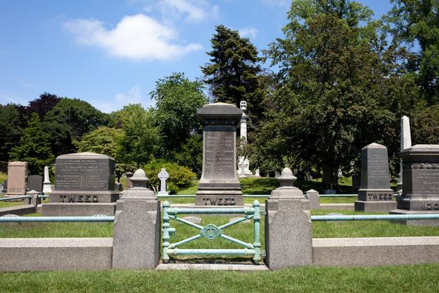 Đẹp như khu nghỉ dưỡng, nghĩa trang này là nơi an nghỉ của giới nhà giàu và những người quyền lực ở New York - Ảnh 7.
