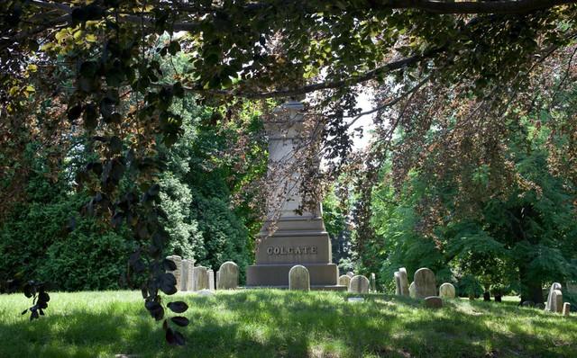 Đẹp như khu nghỉ dưỡng, nghĩa trang này là nơi an nghỉ của giới nhà giàu và những người quyền lực ở New York - Ảnh 8.