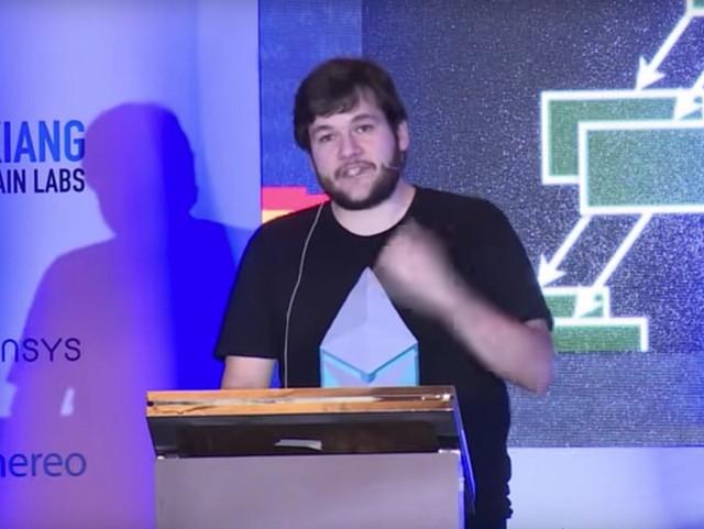 1. Filecoin (Mỹ)- công ty lưu trữ dữ liệu trên nền tảng chuỗi khối (blockchain) - 257 triệu USD - Ảnh: Nhà sáng lập Filecoin Juan Benet/YouTube.