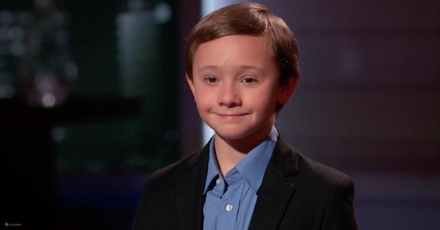 Cậu bé 10 tuổi vô cùng tự tin trước các nhà đầu tư có tên tuổi.