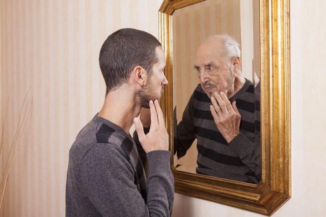 Bất cứ khi nào trì hoãn một việc, là chúng ta đang tự chất gánh nặng lên chính bản thân mình trong tương lai.