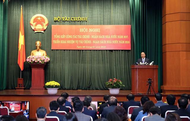 Thủ tướng Nguyễn Xuân Phúc phát biểu tại Hội nghị. - Ảnh: VGP/Quang Hiếu