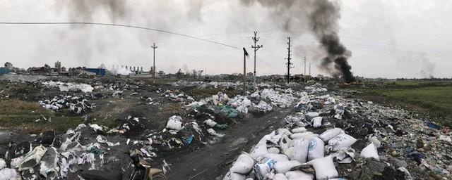 Ám ảnh bãi phế liệu kín cả cánh đồng tại nơi xảy ra vụ nổ ở Bắc Ninh - Ảnh 1.